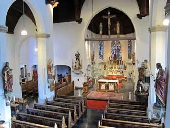 interieur-kerk-loz